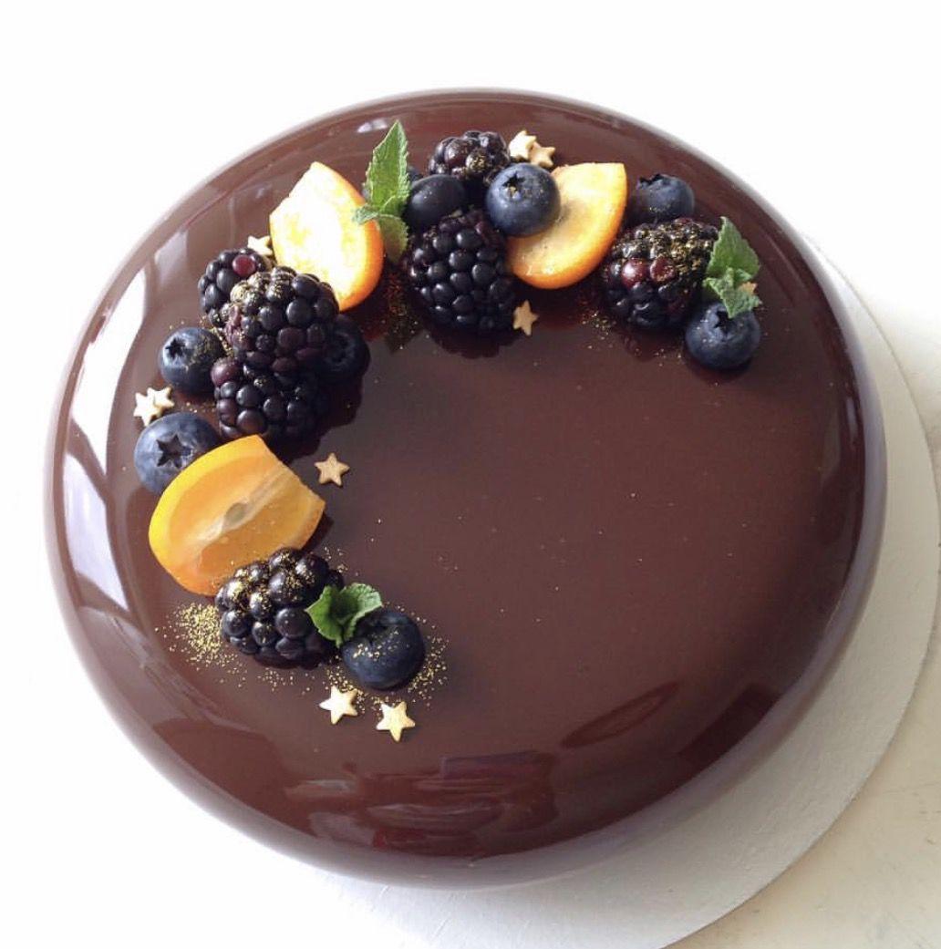 Как приготовить шоколадный муссовый торт с зеркальной глазурью.
